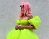 Ubitačan dekolte i duge noge: Karleuša pozirala u prekratkoj haljini, pa vrelim izdanjem zapalila internet! (FOTO)