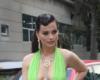 Milici Pavlović sijevnule gole grudi čim je stigla na Grand, a na sceni je jedva obuzdala prekratku haljinu sa dekolteom do pupka! (FOTO)