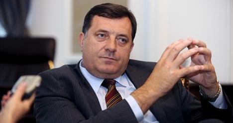 Dodik u Doboju zabavlja žene za 8. mart (VIDEO)