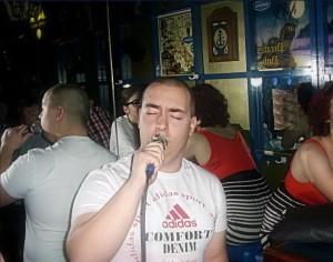 Nadir Senderovic mladi pjevac  iz Sarajeva u usponu!