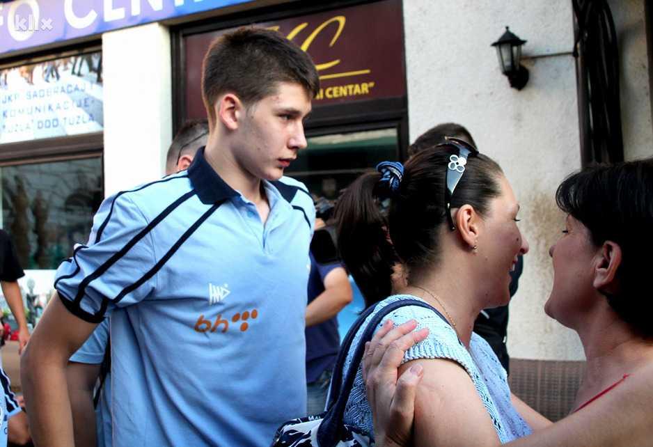 Tuzlaci pozdravili zlatnog košarkaša Emira Čerkezovića