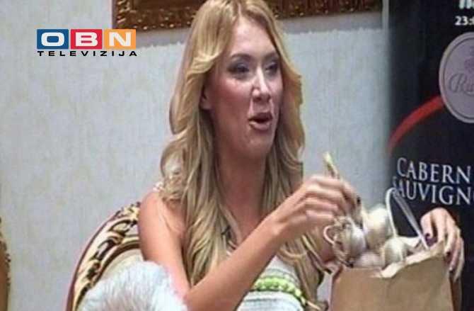"""HIT: Ovako se voditeljka """"Parova"""" brani od vradžbina Vesne Rivas"""