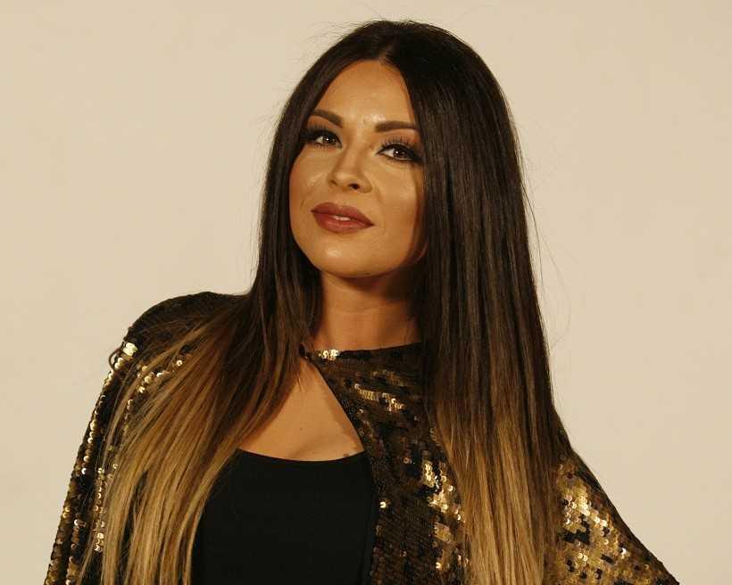 ZVEZDE GRANDA: Predstavljamo vam super-finalistkinju Dejanu Erić