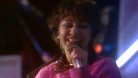 """Čuveni hit """"Dečko, ajde o'ladi"""" otpjevala je prije 3 decenije i osvojila Jugu, nestala je preko noći, danas ima 51 godinu i evo kako izgleda! (FOTO) (VIDEO)"""