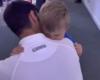 (VIDEO) NAJEMOTIVNIJI PRIZOR: Đokoviću nakon pobjede prišao sin Stefan, a snimak na kojem se grle i ljube rastopio je svijet!